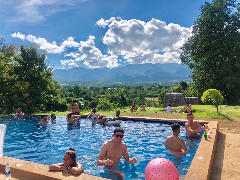 The swimming pool at or close to Pai circus hostel