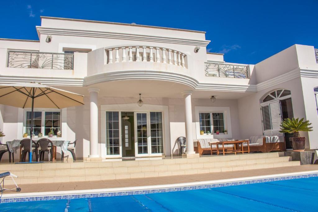 Villa Costa Golf, Costa Teguise – Updated 2019 Prices