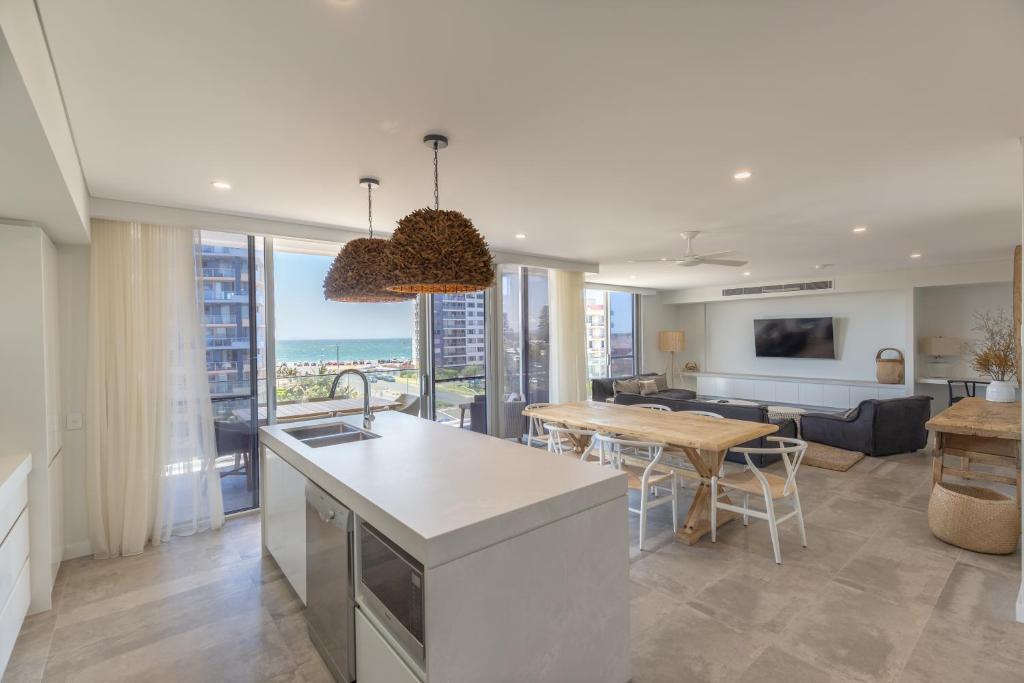 A kitchen or kitchenette at Astina Suites, Forster