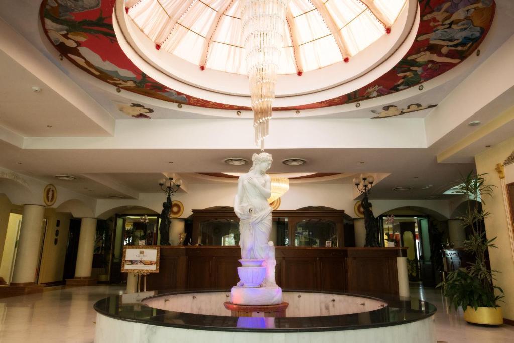 Hall o reception di Grand Hotel Osman & Spa