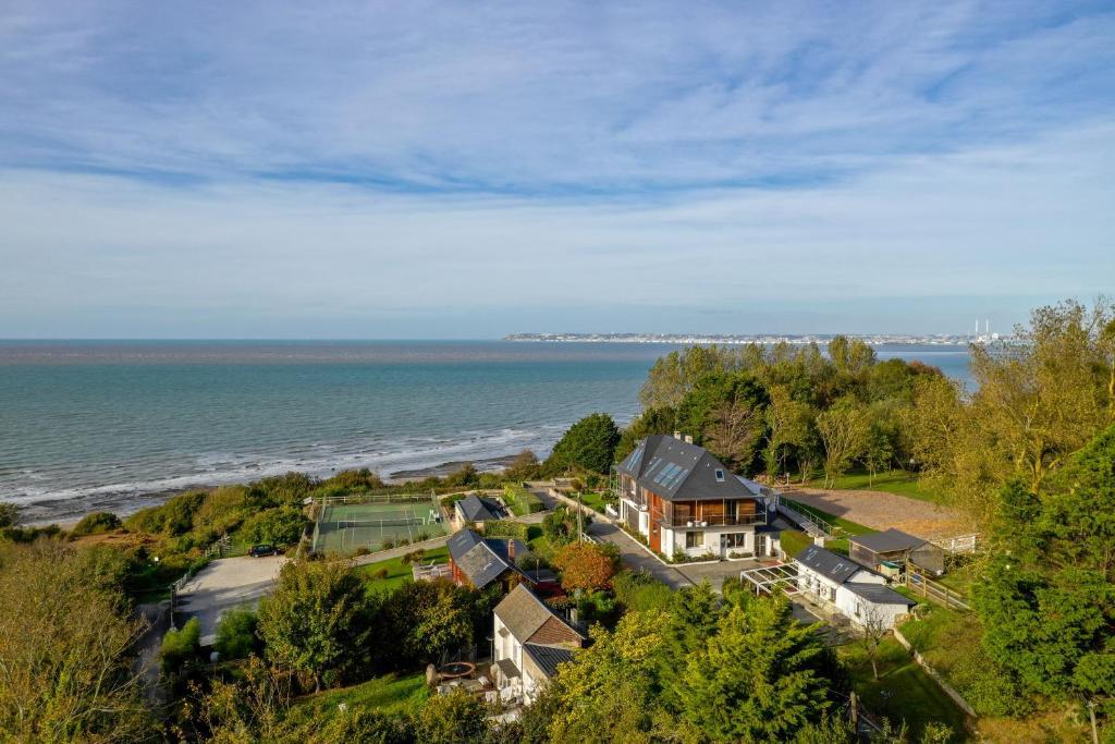 Blick auf Les Cottages d'Annie aus der Vogelperspektive