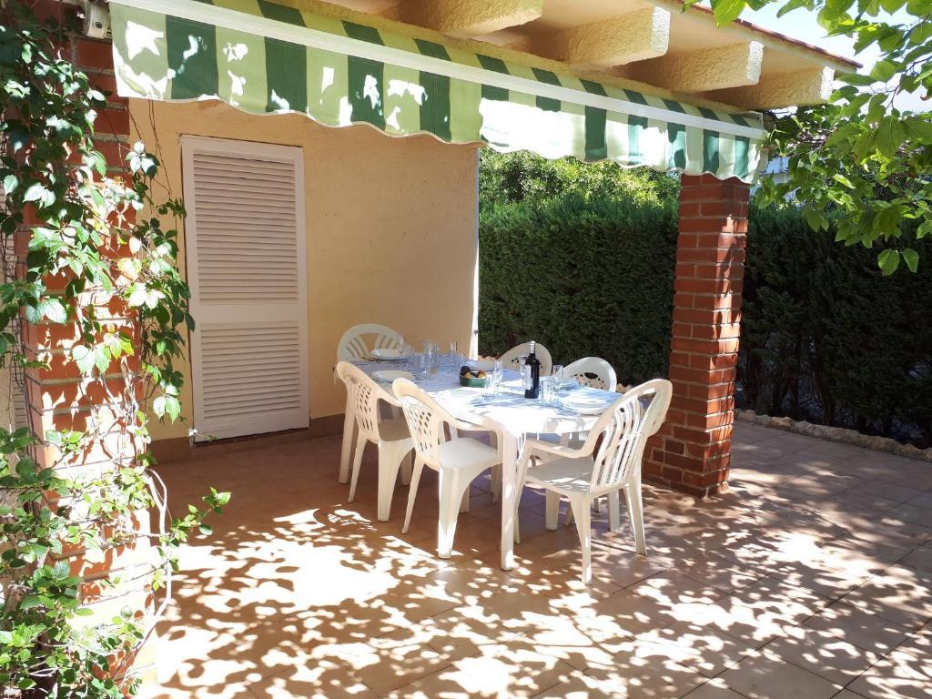 Villa Giner A 200m De La Playa, LAmetlla de Mar, Spain ...