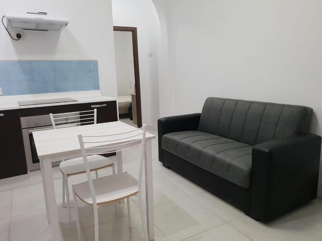 Appartamento 41 (Malta Sliema) - Booking.com