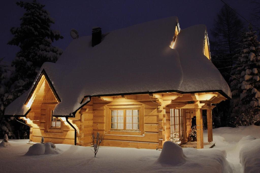 Obiekt BIAŁY PUCH zimą