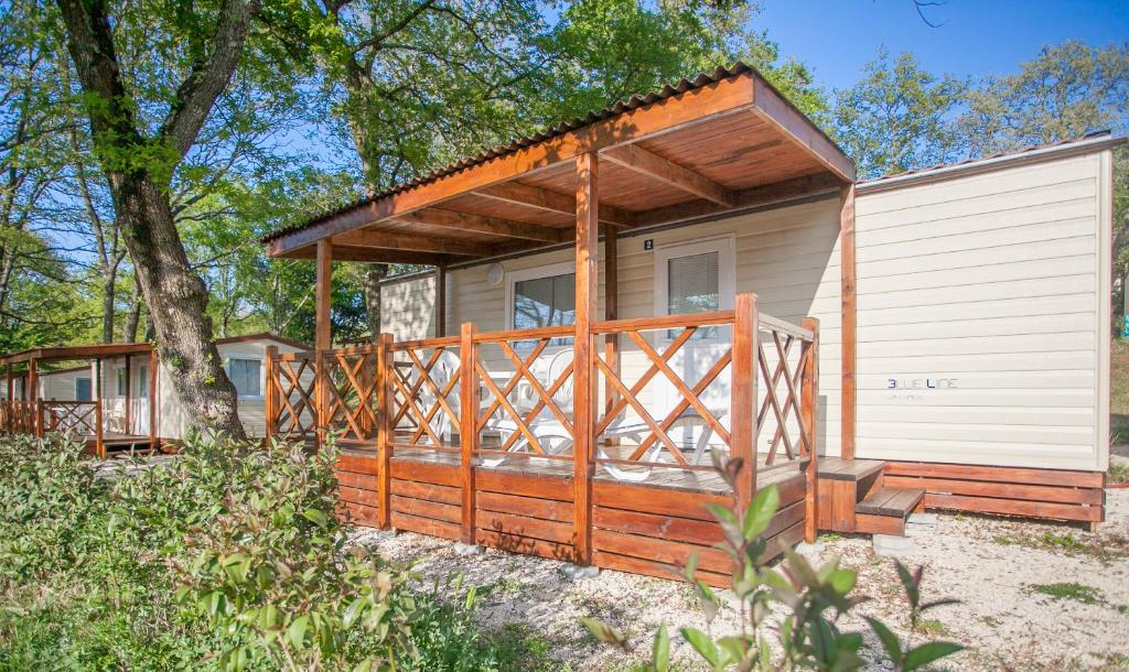 Resort Village Istria Mobile Homes, Poreč, Croatia - Booking.com on cute trailer homes, amazing business buildings, amazing home exteriors, amazing photography, amazing small homes, amazing florida homes, amazing texas homes, amazing alaska homes, amazing prefab homes, amazing cheap homes, amazing affordable homes, amazing floating homes, amazing california homes, amazing trailer homes, amazing private homes, indoor courtyard homes, amazing atlanta homes, most amazing homes,