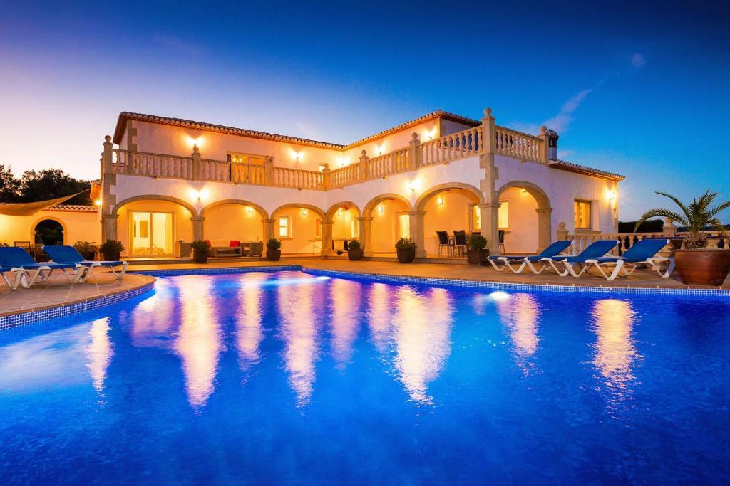Villa Casa Los Arcos (España Jávea) - Booking.com