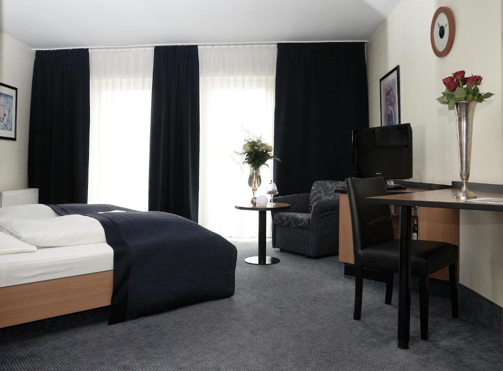 Hotel De Ville Eschweiler Germany Booking Com
