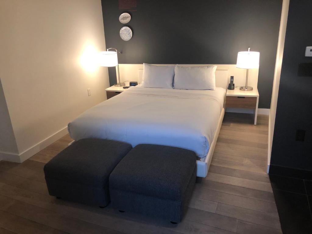 A room at Ames Boston Hotel.