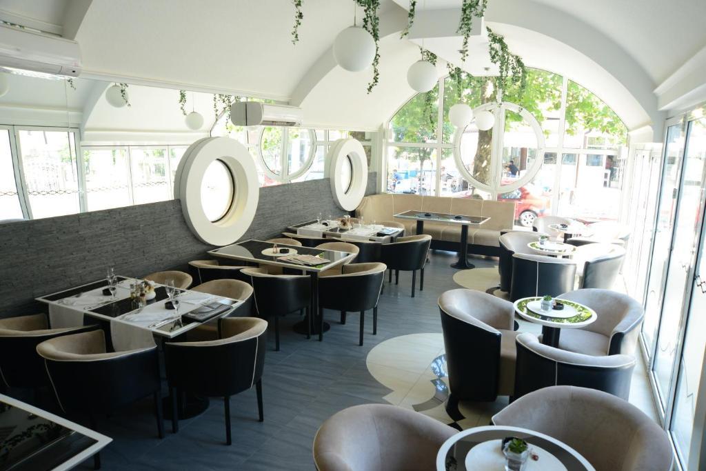 Hotel Ženeva