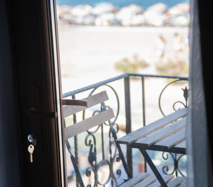 Assos Kadirga Hotel