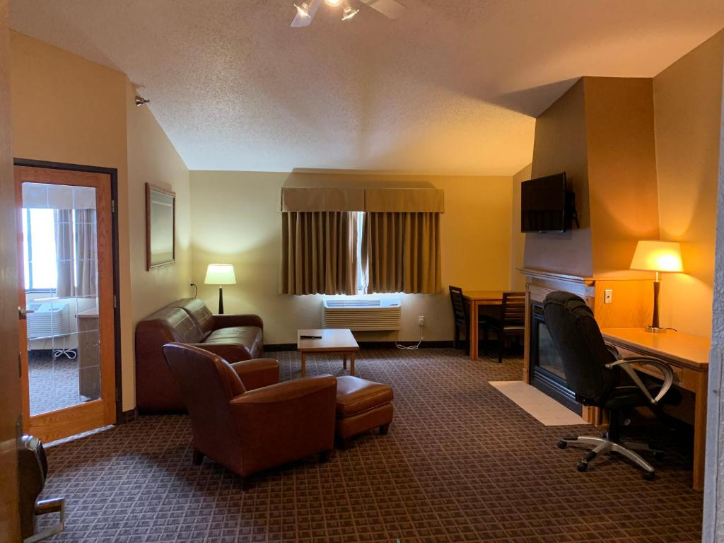 A room at the AmericInn by Wyndham Aberdeen Event Center.