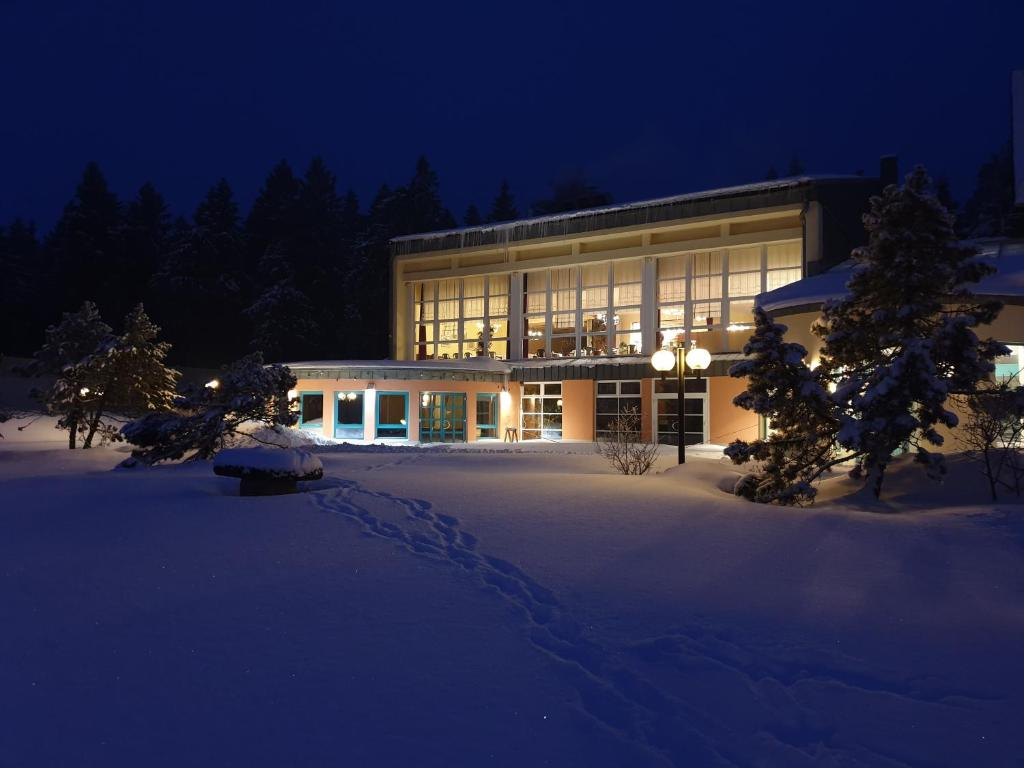 Sporthotel Oberhof im Winter