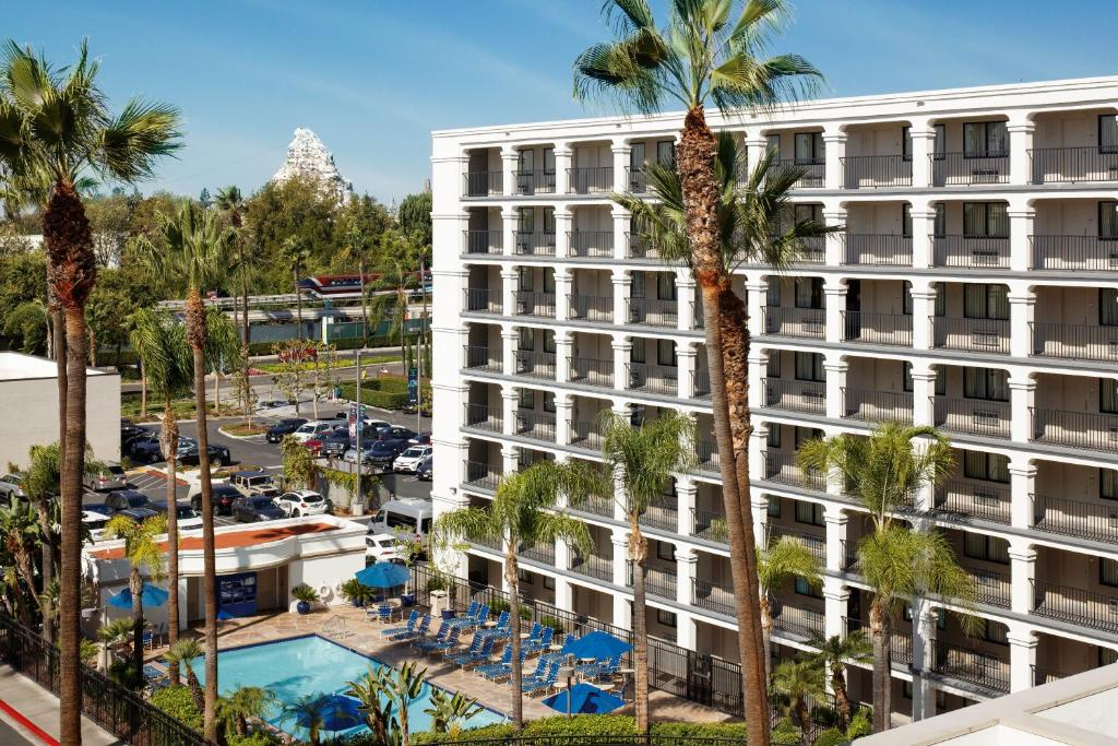 A view of the pool at Fairfield by Marriott Anaheim Resort or nearby