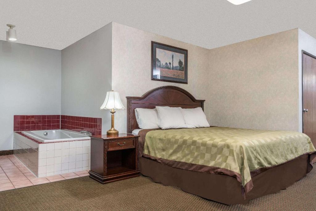 Inn West Fargo Nd Booking Com