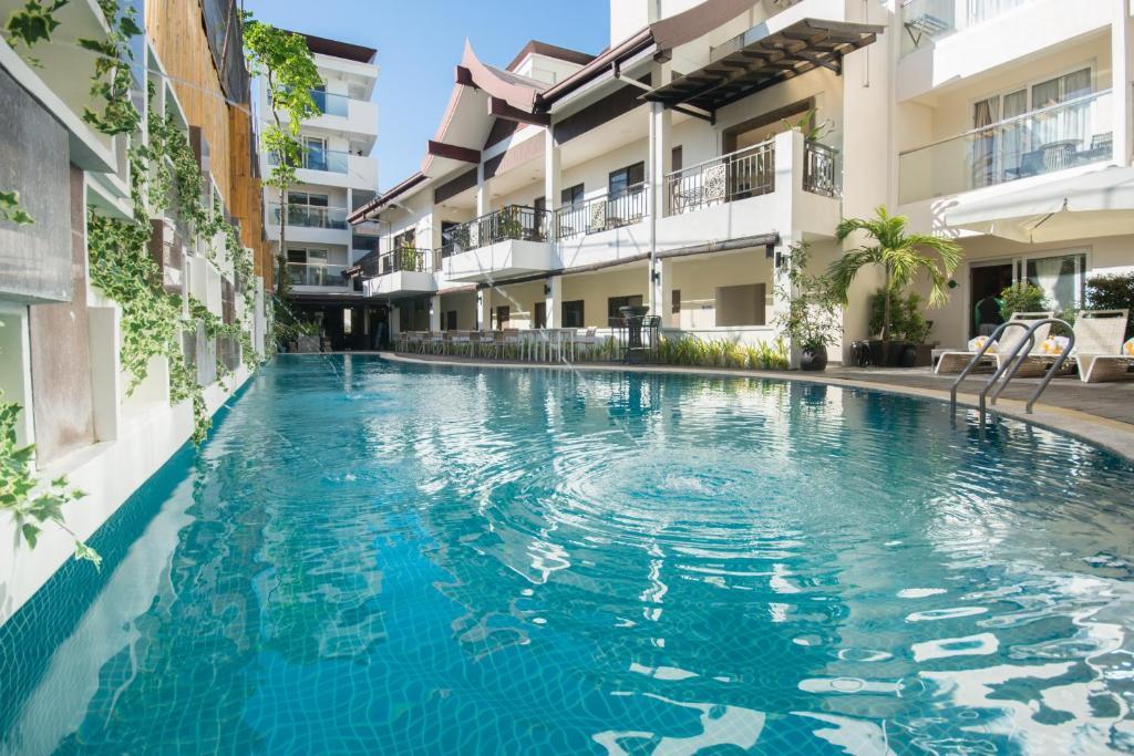 長灘島天堂度假酒店游泳池或附近泳池