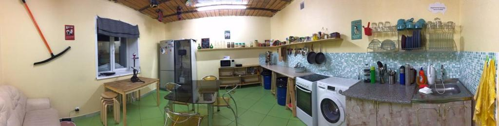 A kitchen or kitchenette at Hostel Yes