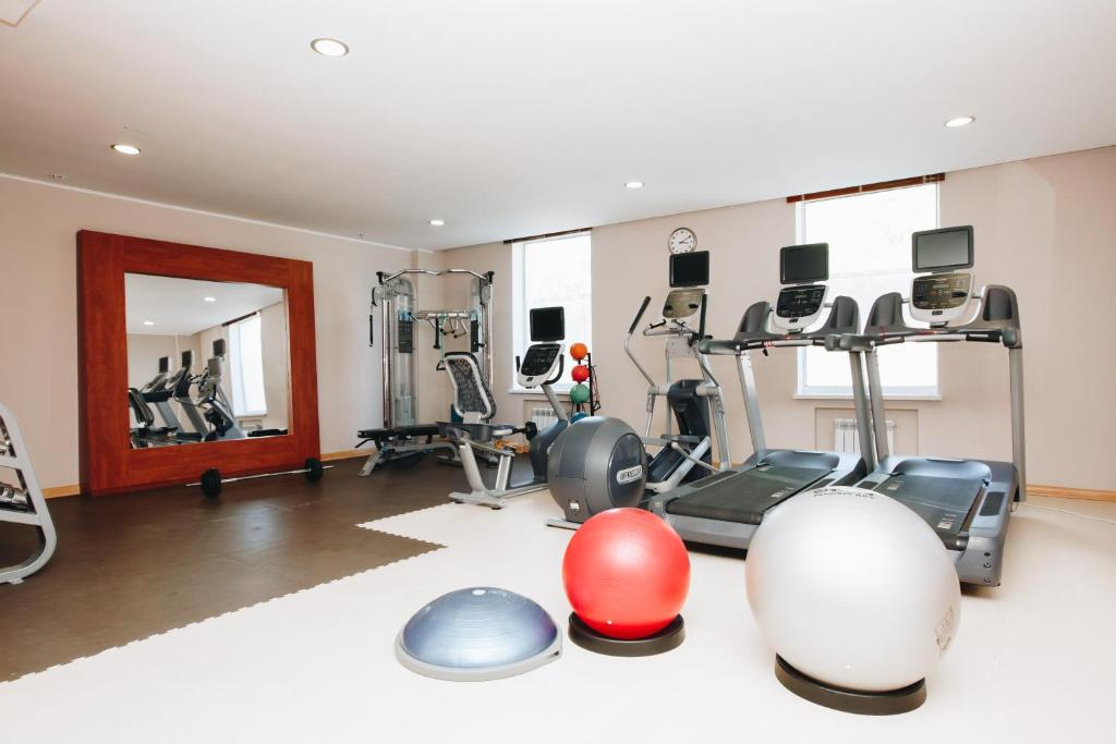 Фитнес-центр и/или тренажеры в Хилтон Гарден Инн Калуга