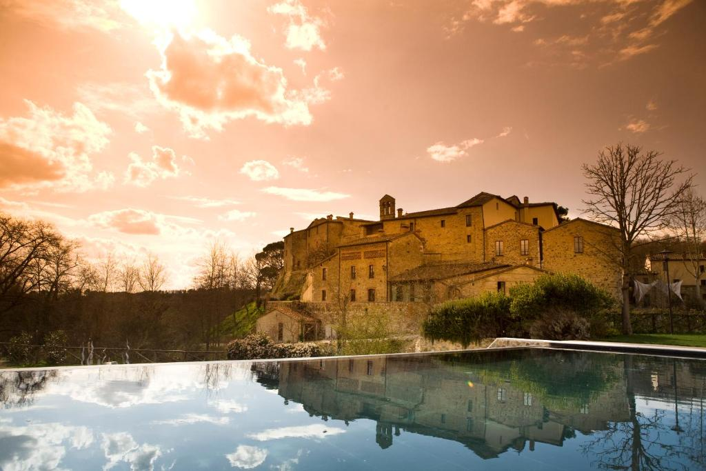 Piscina en o cerca de Castel Monastero - The Leading Hotels of the World