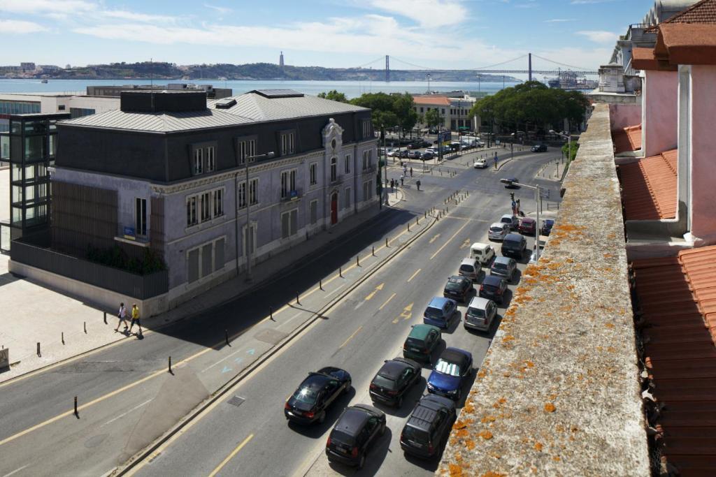 Traveling To Lisbon Bairro Alto Apartments