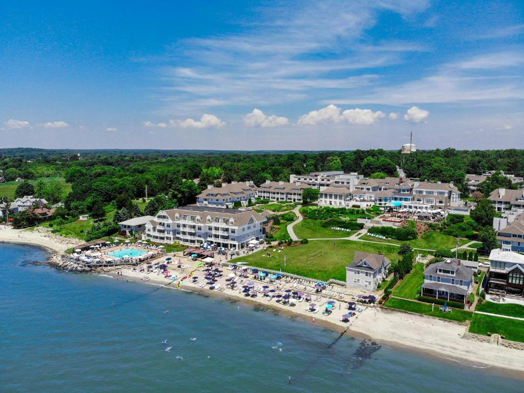 A bird's-eye view of Water's Edge Resort & Spa