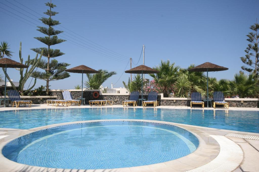 The swimming pool at or close to Castro Hotel
