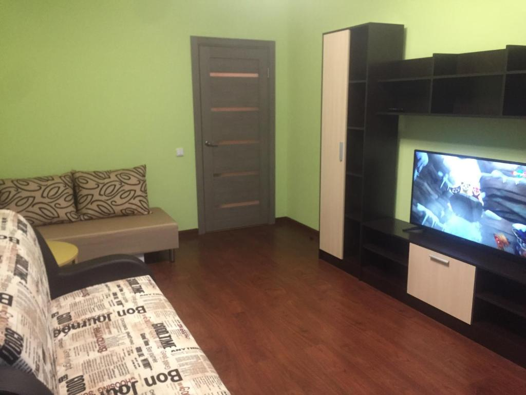 هتل Apartment on Pushkinskoe 13-4