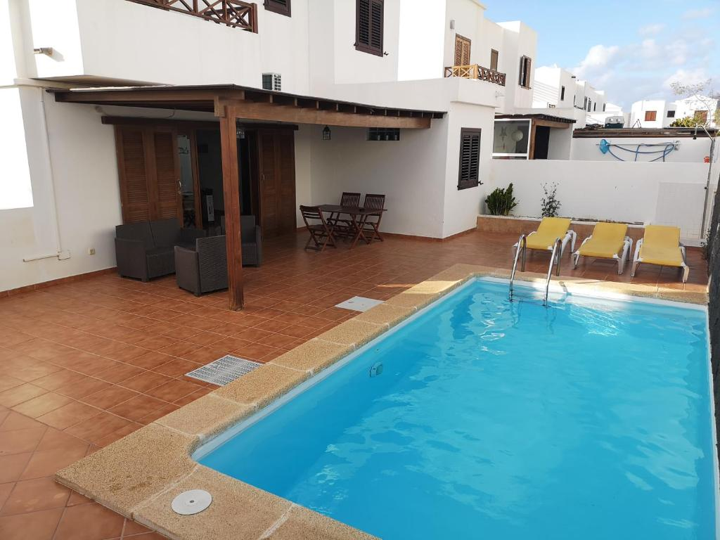ROOMS VILLA TIMANFAYA PLAYA BLANCA, Playa Blanca – Updated ...