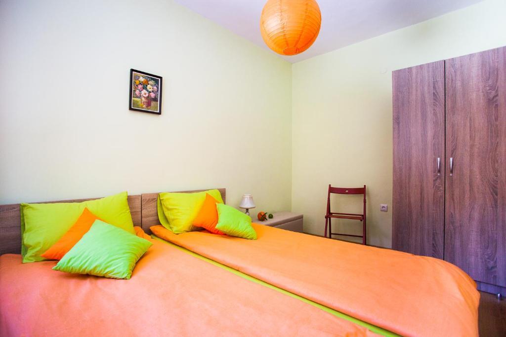 Green Orange Apartment, Bansko, Bulgaria - Booking.com