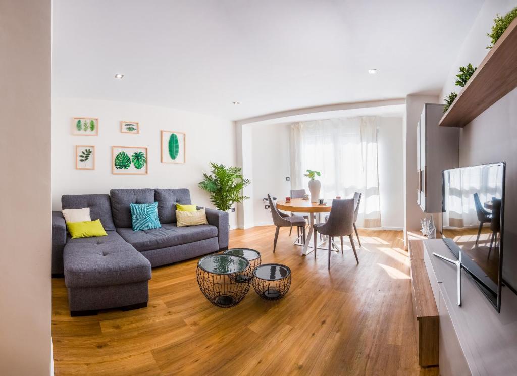 A seating area at Rueda Lopez - Espléndido Apartamento de Lujo