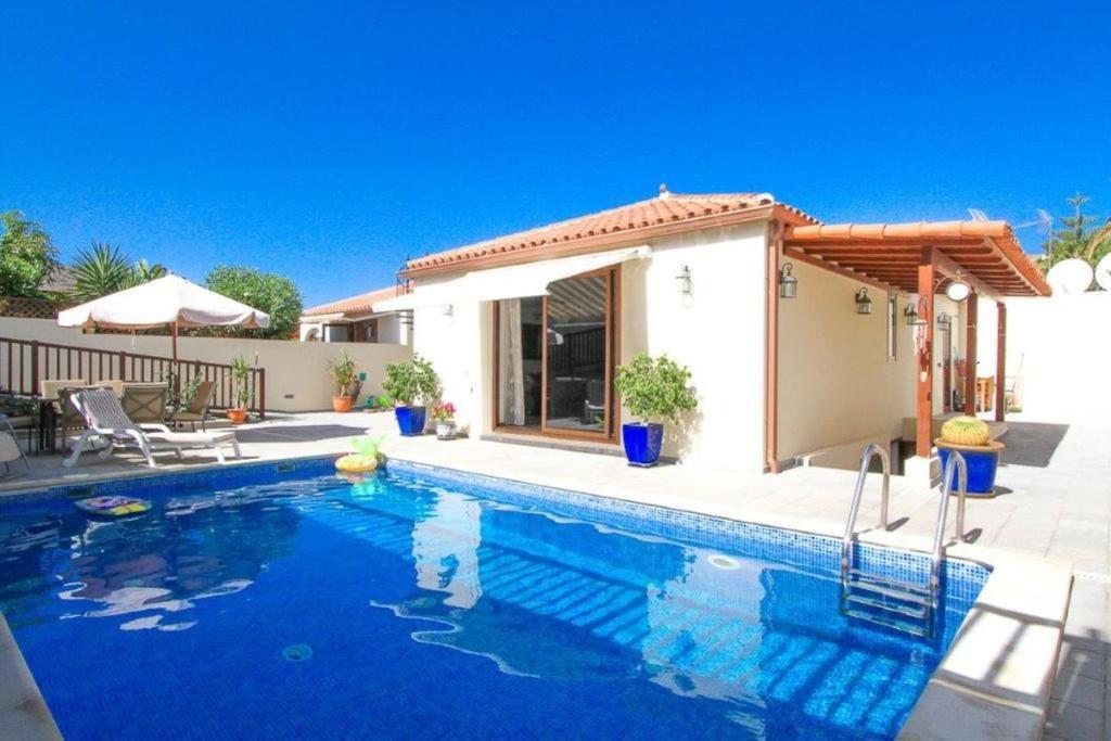 Villa Casa Romantica, La Playa de Tauro, Spain - Booking.com