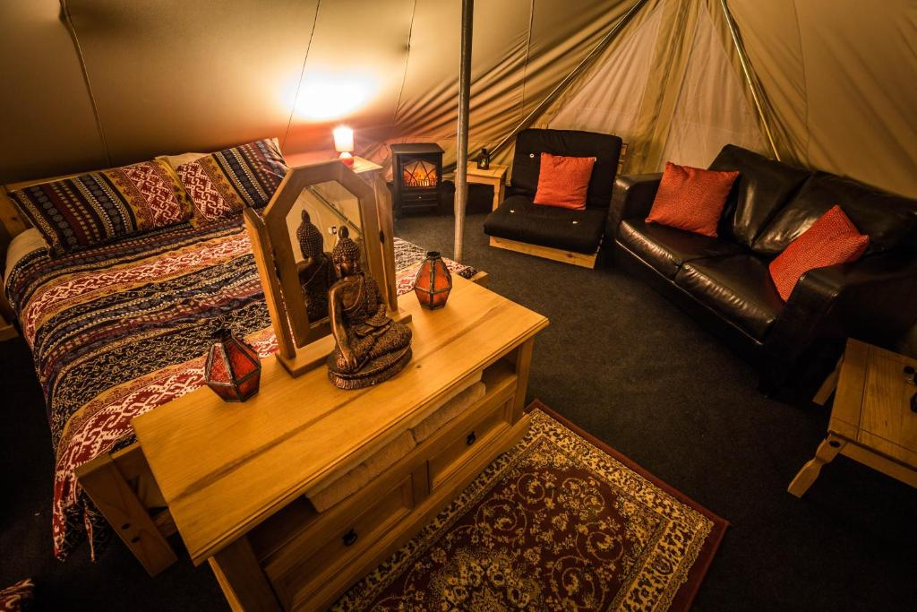 A seating area at Doolin Glamping