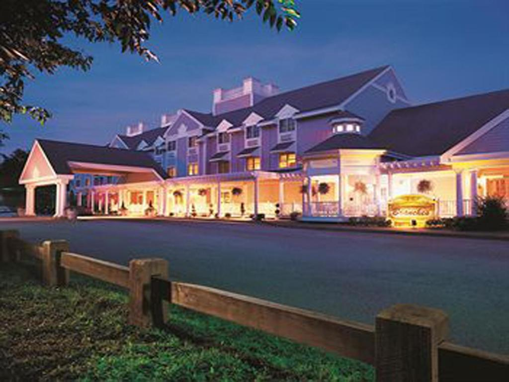 connecticut casino is one of the two largest in america