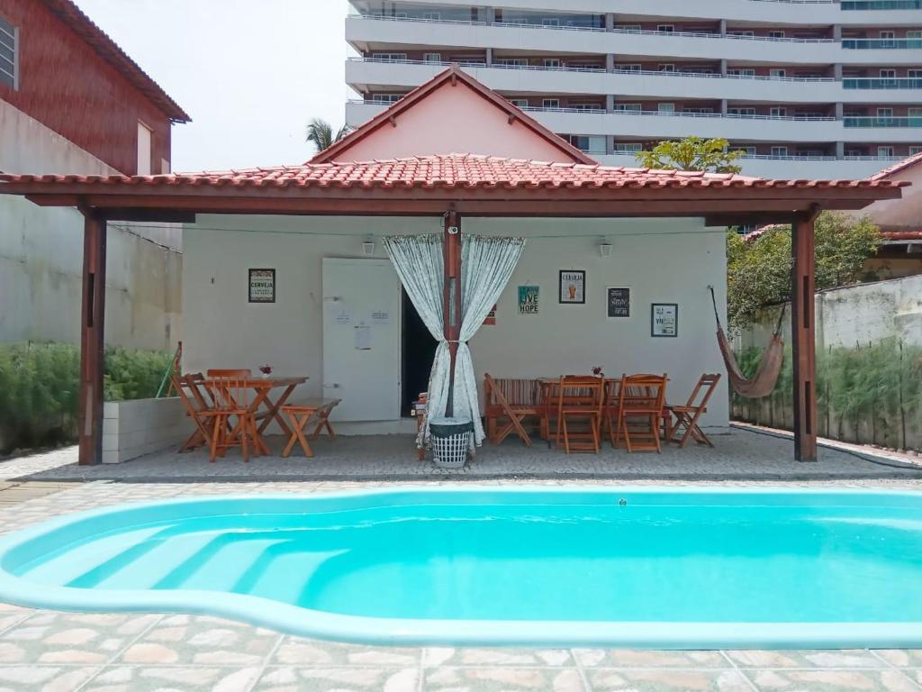 A piscina localizada em Good Hostel & Happy Hour ou nos arredores