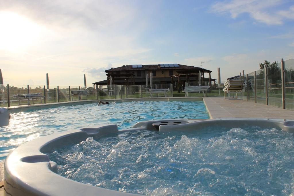 piscine datazione Utah legge statale sulla datazione di un minore
