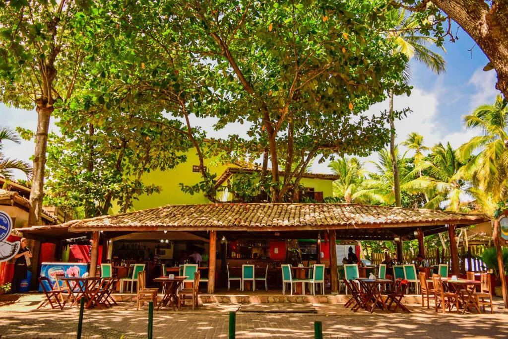 A restaurant or other place to eat at Pousada Brasil