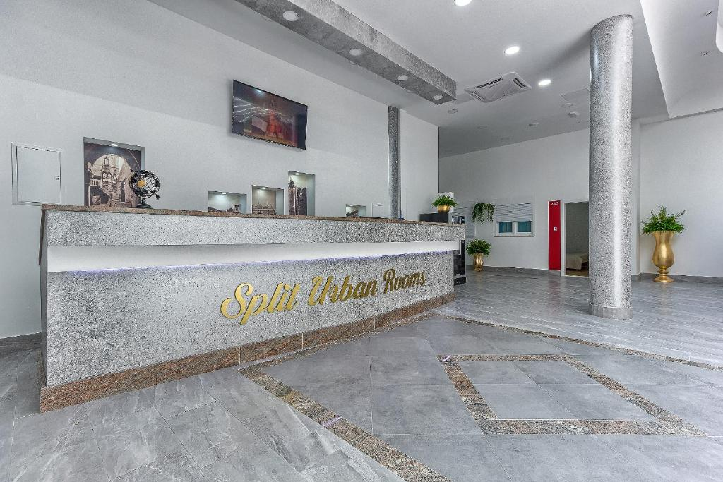 The lobby or reception area at Split Urban Rooms
