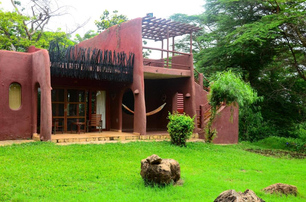 Amboseli Serena Safari Lodge – Kichaka Tours and Travel