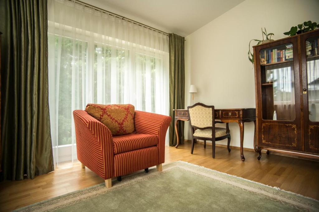 Istumisnurk majutusasutuses Vila Nida