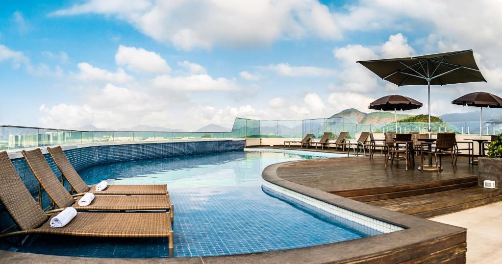 A piscina localizada em Américas Barra Hotel ou nos arredores