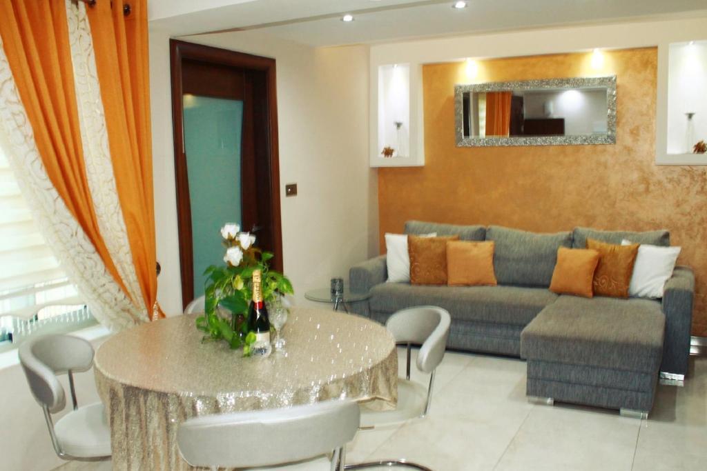 Near the Beach Luxury Holiday Home, Mellieħa – Prezzi ...