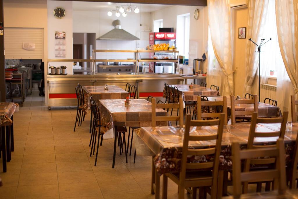 Ресторан / где поесть в Хостел Tranzit