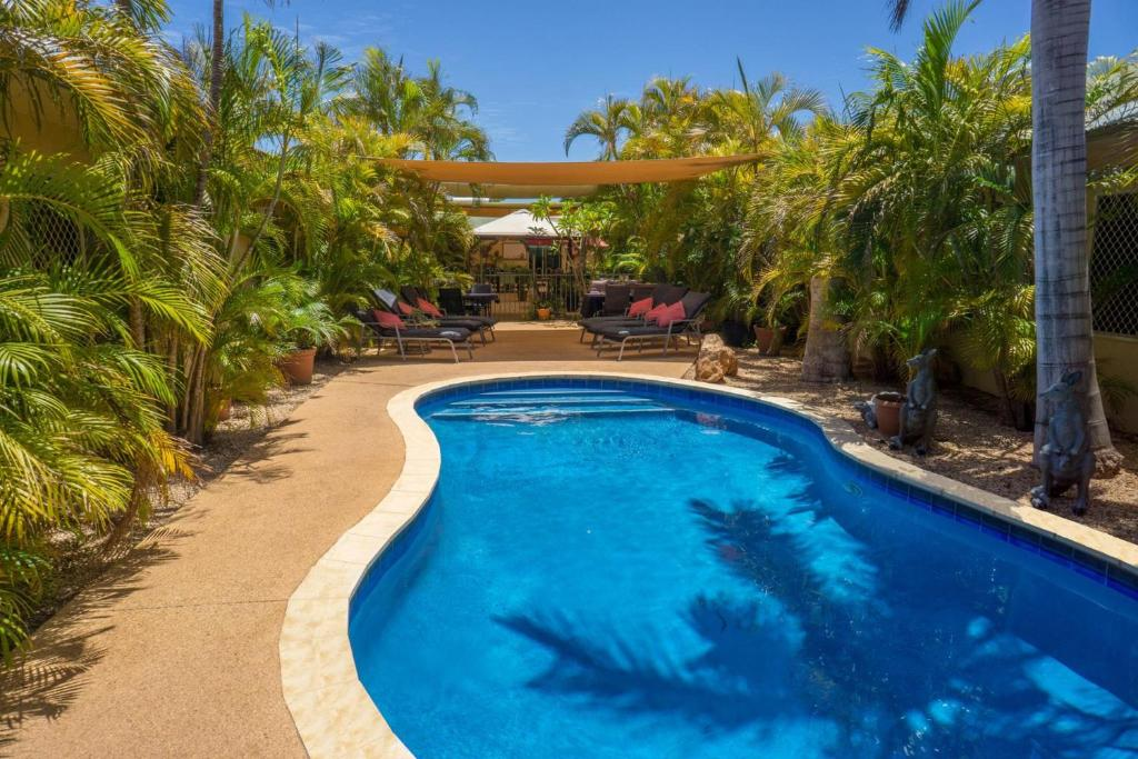 The swimming pool at or near Ningaloo Lodge Exmouth
