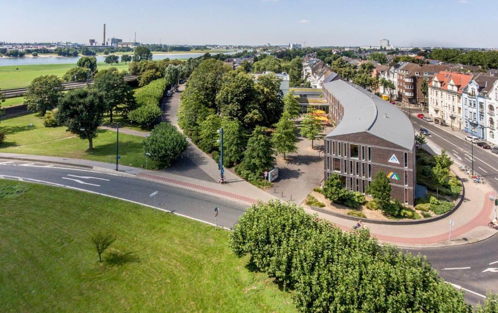 Blick auf Jugendherberge Düsseldorf aus der Vogelperspektive