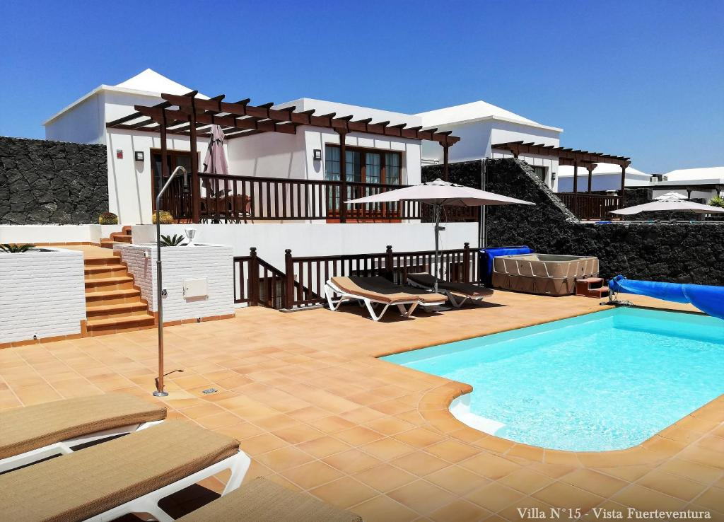 Luxury villa with private heated pool and jacuzzi ...