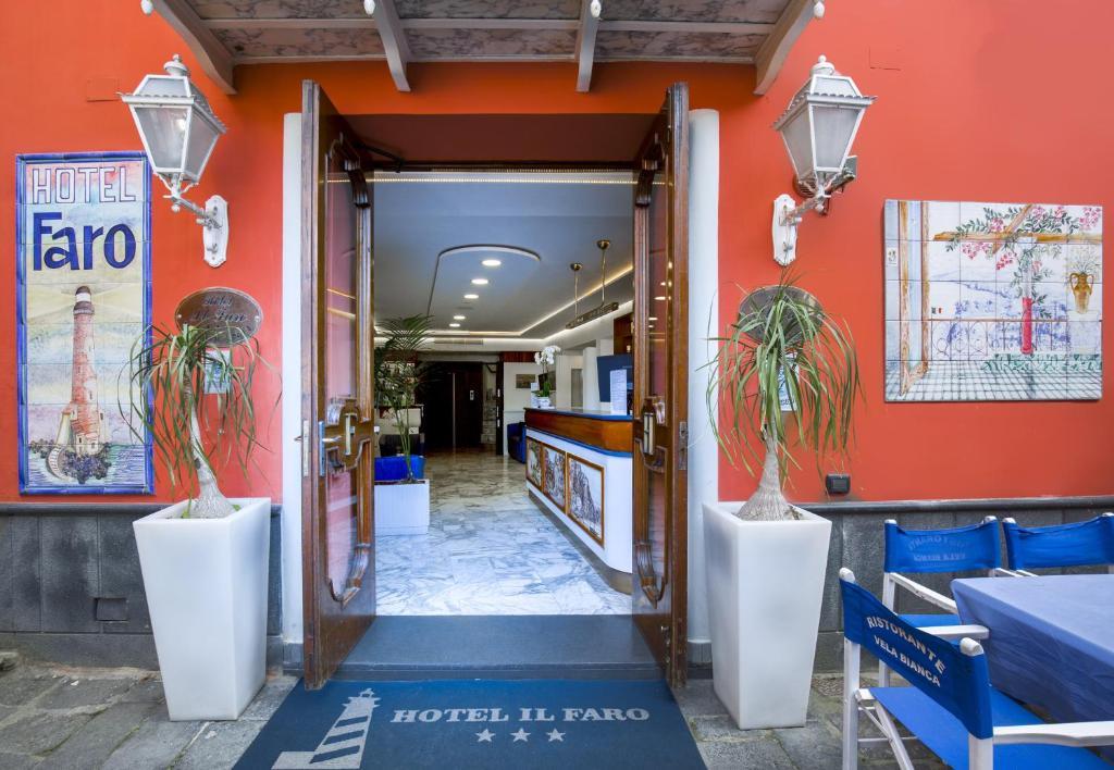 The lobby or reception area at Hotel Il Faro