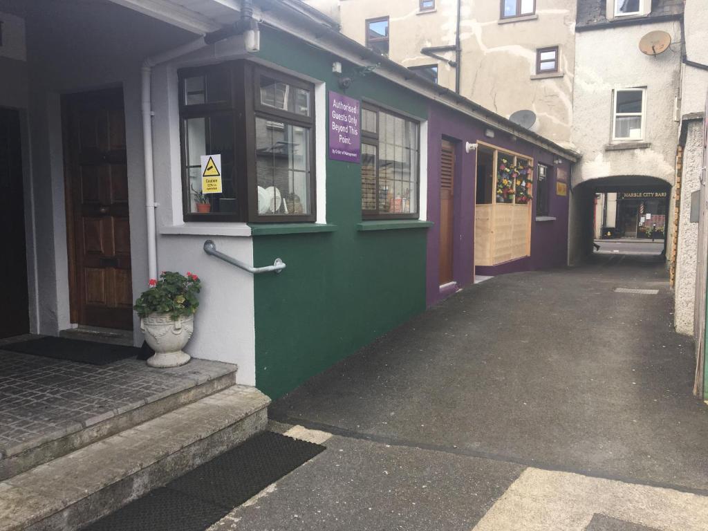Online Dating in Kilkenny - Dating Site for Sociable Singles in