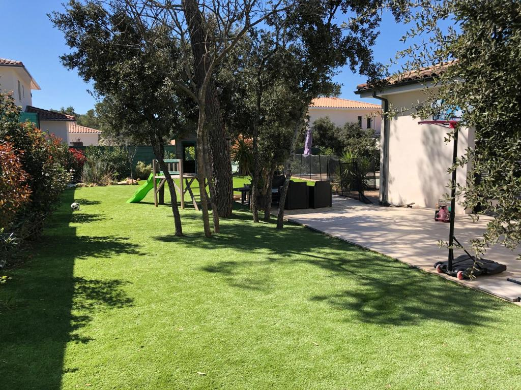 Villa Maison moderne 200 m2 Piscine environnement calme ...