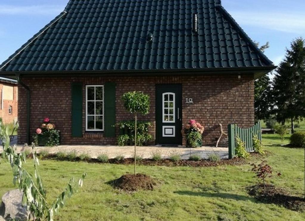 Ferienhaus Mit Terrasse Am See Deutschland Gross Tessin Booking Com