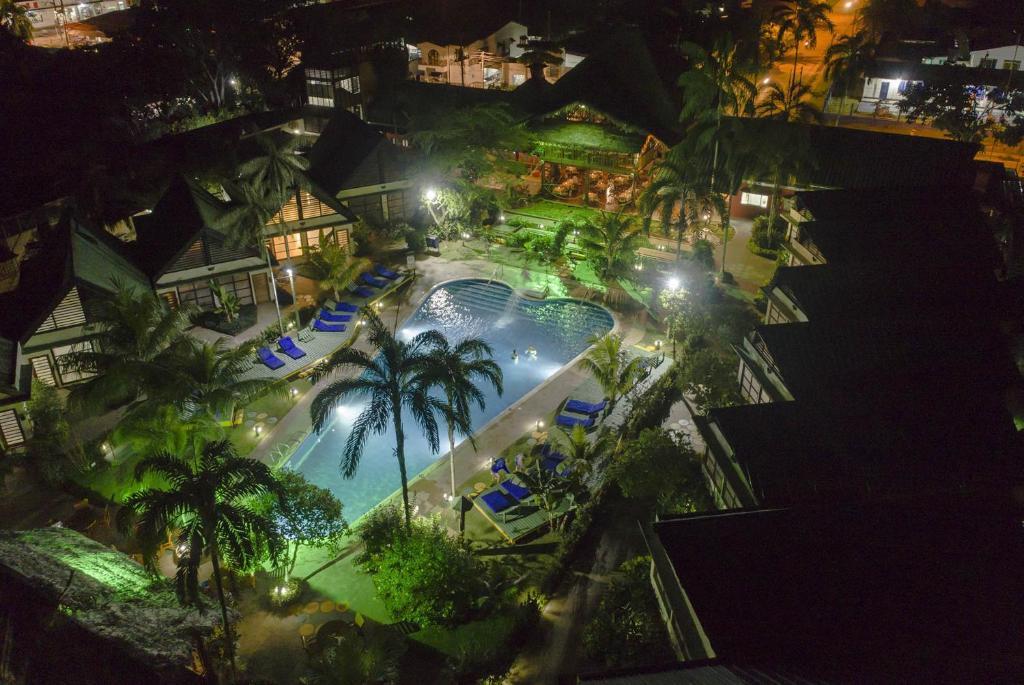 Vista de la piscina de Decameron Decalodge Ticuna o alrededores