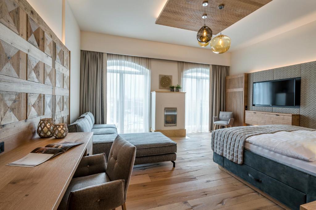 Ein Sitzbereich in der Unterkunft Genussdorf Gmachl - Hotel & Spa